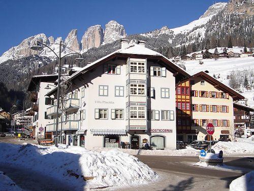 Appartement villa placidia nummer 1 4 5 pers campitello bij canazei - Mezzanine accommodatie ...