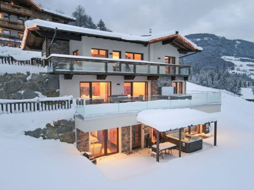 Chalet Wachterhof Deluxe Suite Goldreh met prive-sauna en buiten-jacuzzi - 6-10 personen