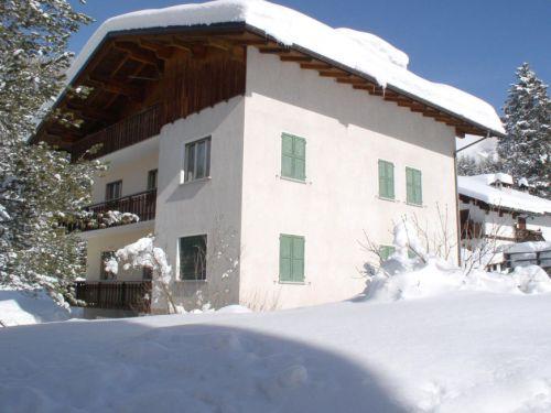 Op Reisbestemming Italie is alles over Dolomieten te vinden: waaronder Falcade en specifiek Appartement Casa Iris - 6 personen (Appartement-Casa-Iris---6-personen3222|1)