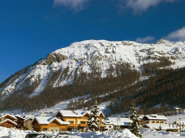 Op SkiVakantieTips is alles over wintersportvakantie in Italie te vinden: waaronder Livigno en specifiek Chalet-appartement Fiore Orchidea - 4 personen (Chalet-appartement-Fiore-Orchidea---4-personen9176)