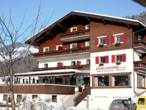 Chalet Edelweiss am See Combi, 4 apt. incl. gezamenlijke keuken en eetruimte - 20-23 personen