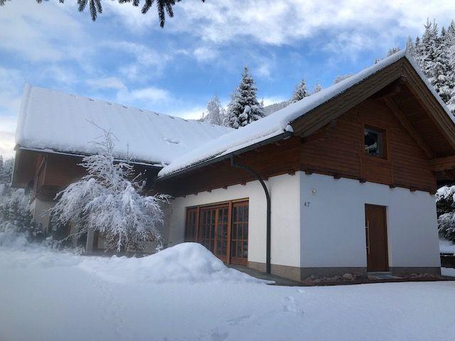 Chalet Jované Chalet met kachel, sauna en hot tub - 12 personen