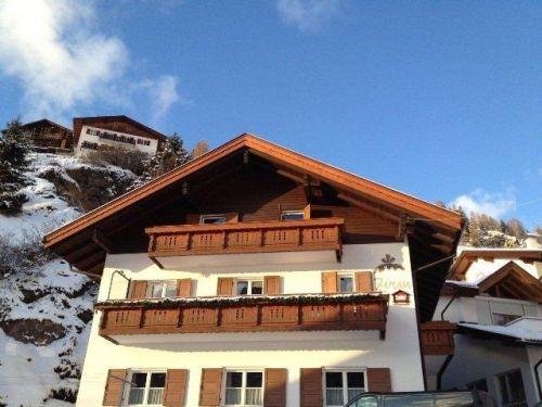 Op Reisbestemming Italie is alles over Dolomieten te vinden: waaronder chalet.nl en specifiek Chalet Zirm inclusief catering - 10-13 personen (Chalet-Zirm-inclusief-catering---10-13-personen6904)